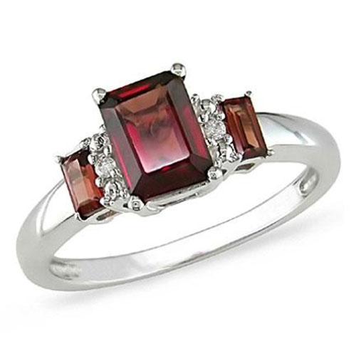 0.02 CT Diamond TW And 1 3/5 CT TGW Garnet Fashion Ring 10k White Gold GHI I1;I2