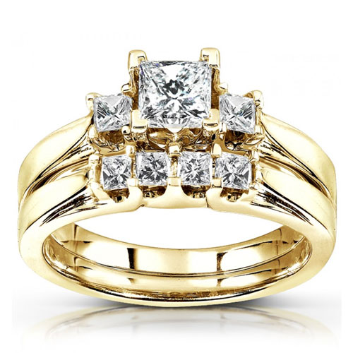 3 Stone Princess Cut Diamond Wedding Ring Set in 14K Yellow Gold 7